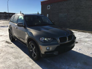 2009 BMW X5 with xDrive and No Accidents.