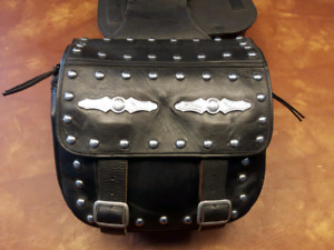 GENUINE YAMAHA STAR LEATHER SADDLEBAGS