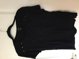 Women's L top lot