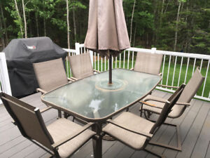 Patio table set (6chairs,table ,umbrella)