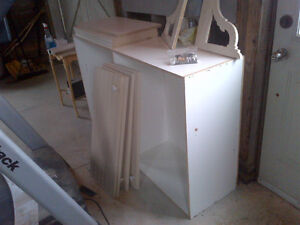 Kitchen/ Bathroom cabinet for sale $50 OBO