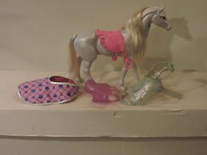 barbie Toy Horse with blanket and 2 saddles