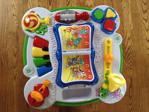Leap Frog Activity Table in French / en francais