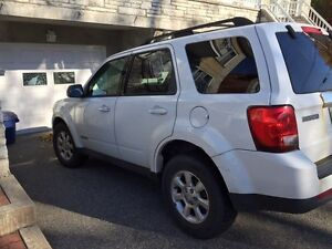 2008 Mazda Tribute (with winter tires and rims) West Island Greater Montréal image 2