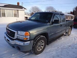 2006 GMC Sierra 1500 SLE Pickup Truck