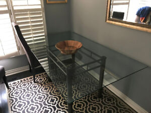 Large Dining Table - Glass - seats 6 (NO CHAIRS)