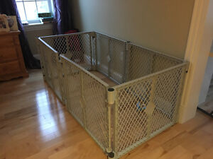 TODDLER / PET FENCED PLAY AREA