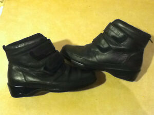 Women's Comfort Leather Shoes Size 9 London Ontario image 1