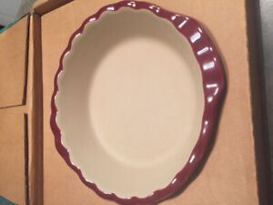 Pampered chef deep dish pie plate