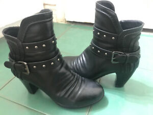 Bella Siba Black Ankle Boots