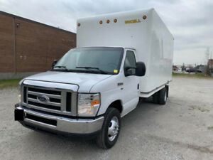 2012 Ford E-450 16 Ft Box Excellent Truck 128KM 15500$OBO