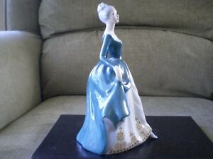 "Royal Doulton Figurine - "" Regal Lady "" HN 2709 Kitchener / Waterloo Kitchener Area image 4"