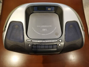 Panasonic Portable Sterio System; 2 Way 4 Speaker; CD-R/RW MP3;