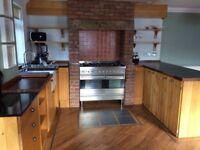 Beautiful handmade American Pippy Oak kitchen + Fridge Freezer/wine cooler + Britannia Range cooker