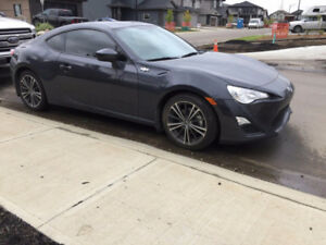 2014 scion frs with 23,000km with custom leather seats
