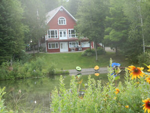 Chalet-Condo en Estrie, (Owl's Head,Jay Peak,lac,kayak,bicycle)
