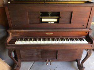 Free Antic Piano