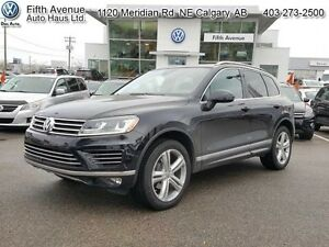 2016 Volkswagen Touareg 3.6 Highline   - one owner - non-smoker