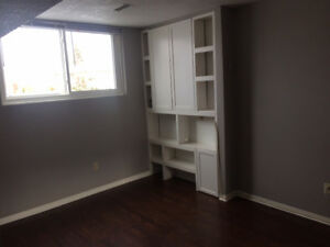 2 Bedroom Apartment (Wifi/Hydro/In-Suite Laundry Included)
