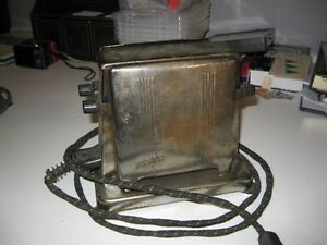Vintage 1950 Toastess toaster working Model 201 with Cord