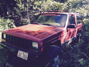 Parting out 98 jeep Cherokee 2 door