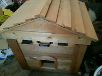 NEW Cat & Dog house,Heater GPS temp ,cedar siding lift top
