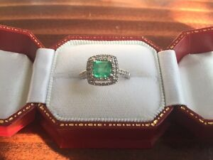 10K WHITE GOLD 0.88CT EMERALD & DIAMOND RING