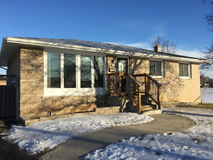 Beautiful Single Family 4 Bedroom Home in Brantford - May 1