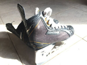 Bauer Supreme One Elite Youth 13d Hockey skates for sale