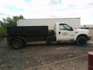 2004 Ford F-550 Coupe (2 door)