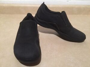 Women's Clarks Wave Slip-On Shoes Size 9.5 London Ontario image 3