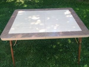 Chrome table with leaf - Vintage - Great condition
