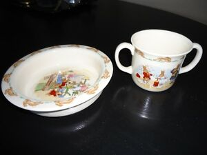 Bunnykins Royal Doulton two-handled cup and dish, like new