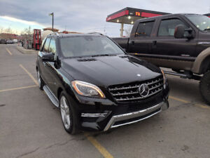 *LOW KM* 2012 Mercedes-Benz ML 550 AMG Package Distronic+