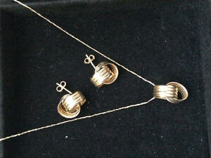10kt gold love knot earrings and necklace