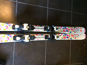 GIRLS SKIS 120CM 1 YR OLD
