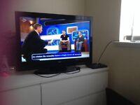 "32"" Toshiba full HD freeview built in"