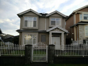 ** Spacious VANCOUVER 3 Bedroom 2 Bath Upper Floor