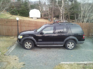 2006 Ford Explorer SUV, Crossover