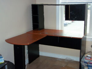 free  desk. pick up only