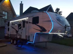 Roulotte/Puma 2012 fifth wheel, lits superposes , bunk bed.