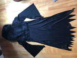 Costume toge noire + voile au visage - long black robe with veil