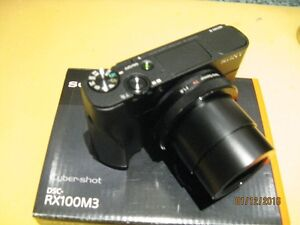SONY RX100M3 with accesories and WARRANTY