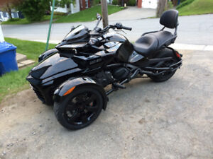 Can-am spyder 2017 comme neuf