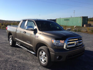 2013 Toyota Tundra SR5 Double Cab TRD w/ Leather seats