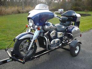 2004 Kawasaki Vulcan Nomad 1500cc Fuel Injected blue and silver