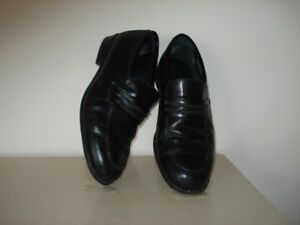 One pair, slightly used  Spanish made Business/Pleasure Shoes.