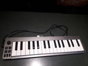 M Audio Keystation 32 Mini keyboard controller