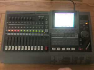 Roland VS-1680 Digital Studio Workstation