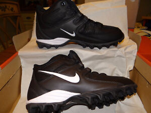 Nike football cleats neuf